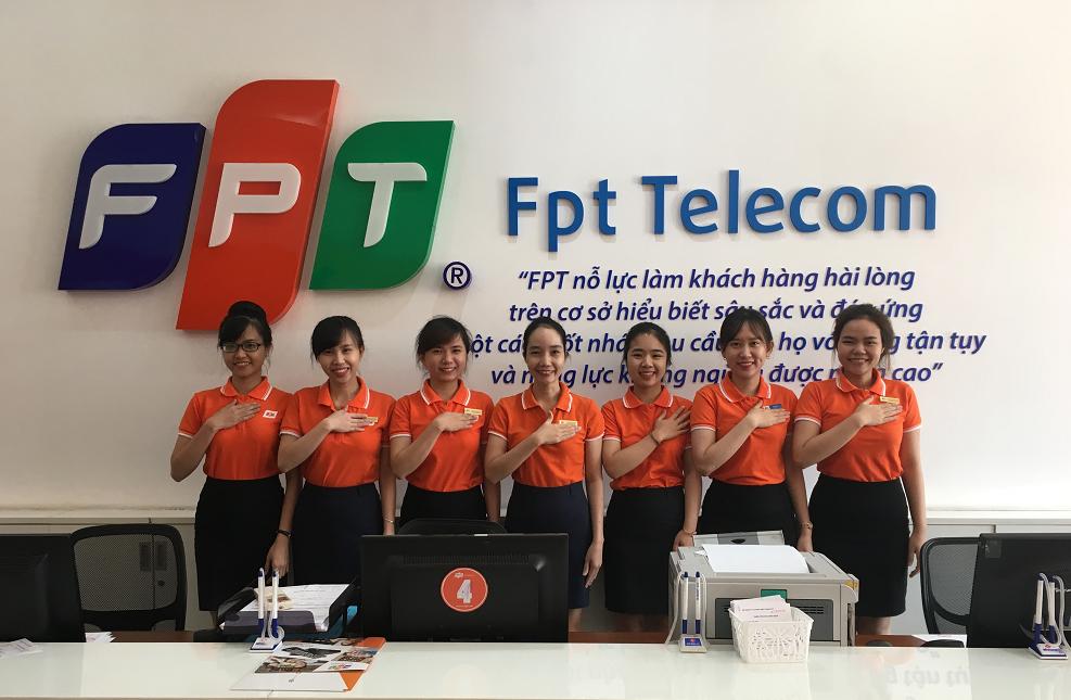 Nhân viên văn phòng giao dịch FPT Sóc Sơn
